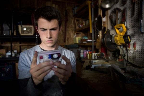 Dylan Minette é Clay em 'Os 13 porquês' (Beth Dubber/Netflix)