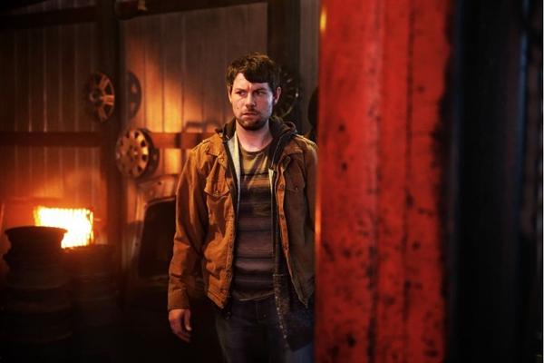 Temática sobrenatural está de volta à sequência do seriado 'Outcast'  (Kent Smith/Fox Premium)