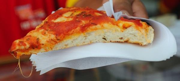 Mesmo com um único sabor, a pizza é um sucesso (Zuleika de Souza/CB/D.A Press)