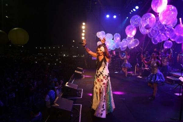 Cantora Elba Ramalho faz parte das comemorações do aniversário da capital (Márlio Forte/Divulgacao)