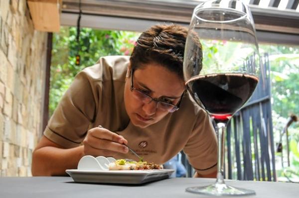%u201CA melancia absorve o molho e da um toque especial para o prato%u201D, Raquel Amaral (Bárbara Cabral/Esp. CB/D.A Press)