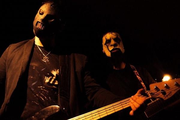 A banda Metabolic (cover de Slipknot) toca amanhã (Reprodução/ Vitor Oliveira)