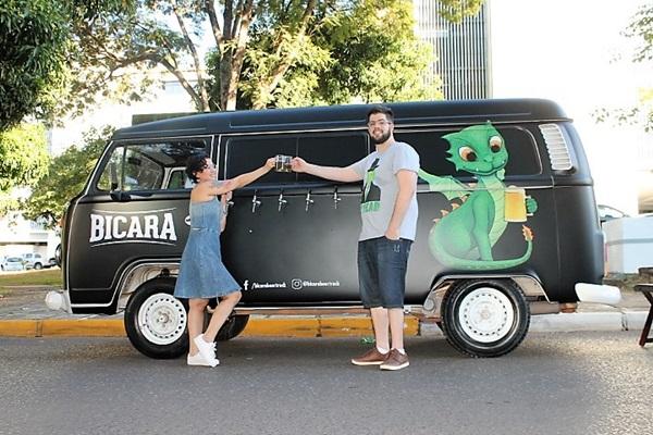 Ravel Lazarini e Francinelle Reis, do Bicara Beer Truck  (Bicara Beer Truck/ Divulgação )