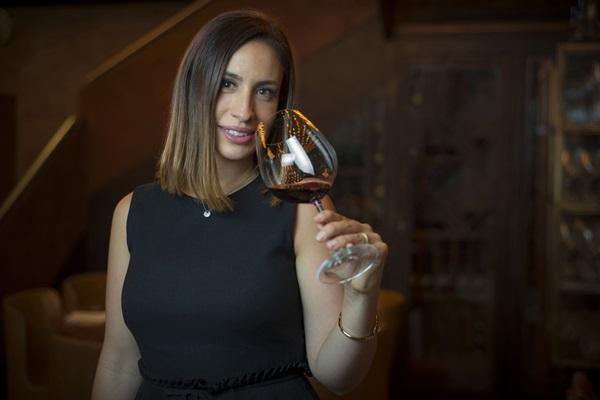 Sommelière Cecília Aldaz, apresentadora do programa 'Um brinde ao vinho' (Alex Carvalho)