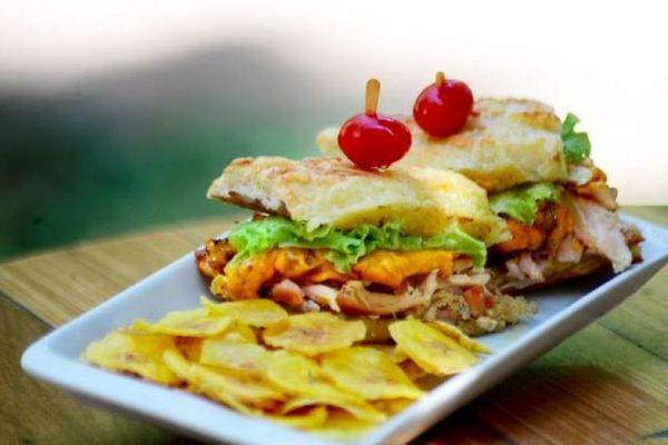 A versão com frango defumado deu uma nova cara ao sanduíche Amélia  (70 mil/Divulgação)