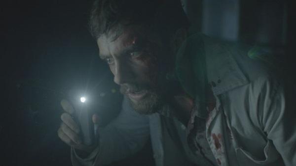 Rafael Cardoso vive o atormentado doutor João em 'O rastro' (Reprodução/Internet)