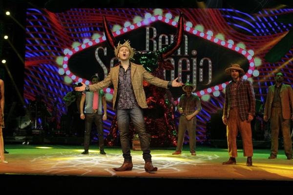 Roteiro do espetáculo relembra clássicos e inclui sucessos de hoje (LenisePinheiro/Divulgacao)