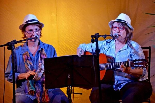 As cantoras Sandra & Mônica prestam homenagem a Tom Jobin, hoje, às 19h no C%u2019est la Vie (Ana Lion/Divulgação)