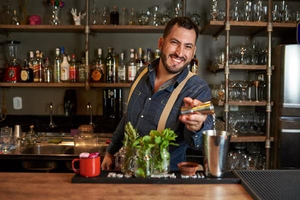 Victor Quaranta vai fazer drinques especiais no  Quattro Pizza Bar (Raimundo Sampaio/Divulgação)