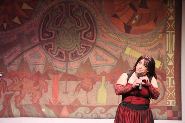 Interação com a plateia é uma das marcas de 'Terça Insana - Grace Gianoukas recebe' (Priscila Prade/Divulgação)