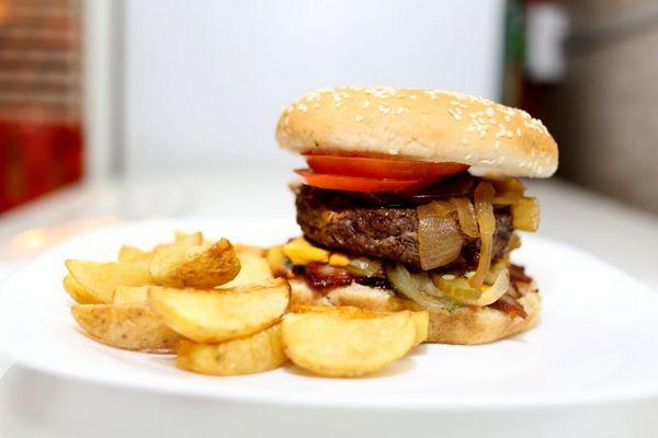 Grand Cheddar do Chefon Burger (Phelipe Lira/Divulgacao)