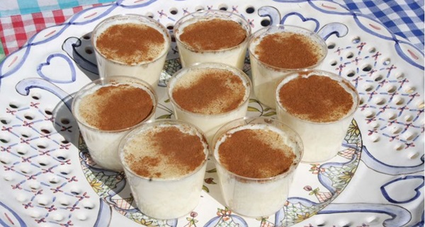 O arroz doce é um dos quitutes da Casa de Biscoitos Mineiro servido o ano inteiro (Elio Rizzo/Esp. CB/D.A Press)