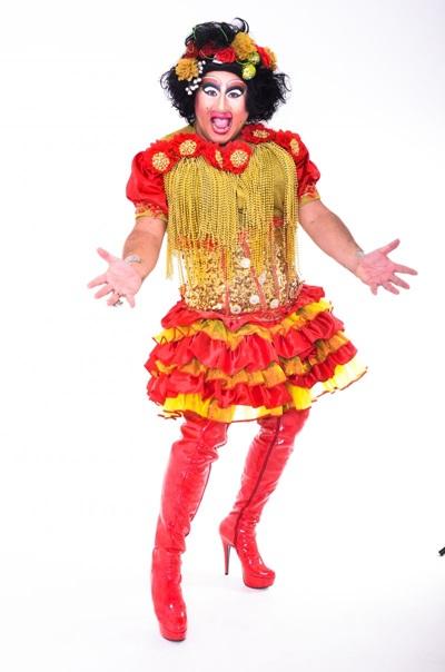 Maria dos Prazer é uma das personagens interpretadas por Anchieta (Riso Topado/Divulgação)
