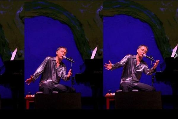 Arnaldo Baptista vai cantar e expor obras de arte (Daniel Moretti/Divulgacao)