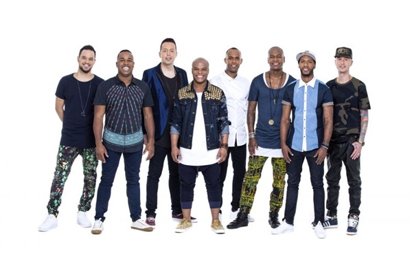 O grupo turma do Pagode apresenta as músicas do novo disco, além de relembrar os jits da carreira (Tadeu Bara/Divulgação)