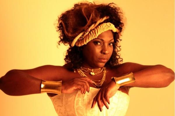 A cantora Dhi Ribeiro grava CD em Brasília (AdrianaLins/Divulgacao)
