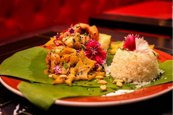 Com ingredientes afrodisíacos, o Le Bistrot 207 aposta  em um menu exclusivo para a data, com camarão thai (Arthur Menescal/Esp. CB/D.A Press)
