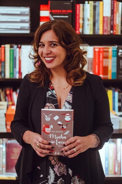 Escritora Ana Holanda, autora do livro 'Minha mãe fazia' (Bruno de Souza /Divulgação )