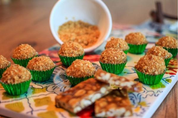 Os brigadeiros gourmet do Mãe&Filha Ateliê dão um toque especial às comemorações juninas (Arthur Menescal/Esp. CB/D.A Press)