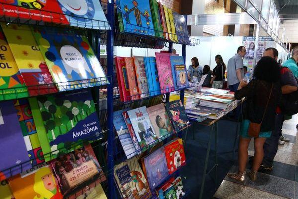 A formação de público é uma das preocupações da 33ª Feira do Livro (Luis Nova/Esp. CB/D.A Press)