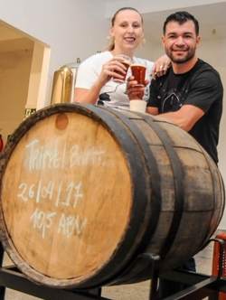 Athenipa, uma das cervejas produzidas em Vicente Pires pelo casal Jean Stevens e Rafaela Miolo, da JinBeer Craft Brewery (Bárbara Cabral/Esp. CB/D.A Press)