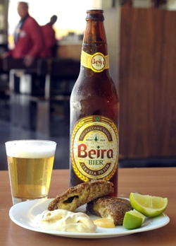 O Beira chopp é uma opção que conquistou o coração e o paladar de quem frequenta o Beirute (Antonio Cunha/CB/D.A Press )