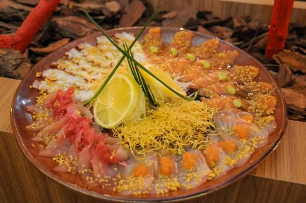 O trio Oma é uma opções no restaurante Oma Japonese Experience (Bárbara Cabral/Esp. CB/D.A Press)