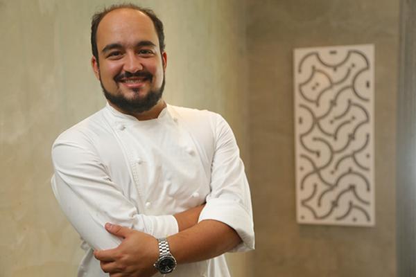 Chef Marcelo Petrarca: da cozinha contemporânea para o Na Praia (Divulgação )