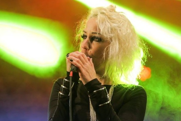 A cantora apresenta canções do novo álbum e dos anteriores (Leco de Souza/Divulgação)