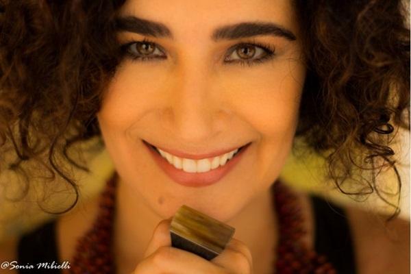 Paula Santoro fará homenagem dupla a Chico Buarque: no Feitiço Mineiro e no Clube da Bossa (Sonia Mibielli/Divulgação)