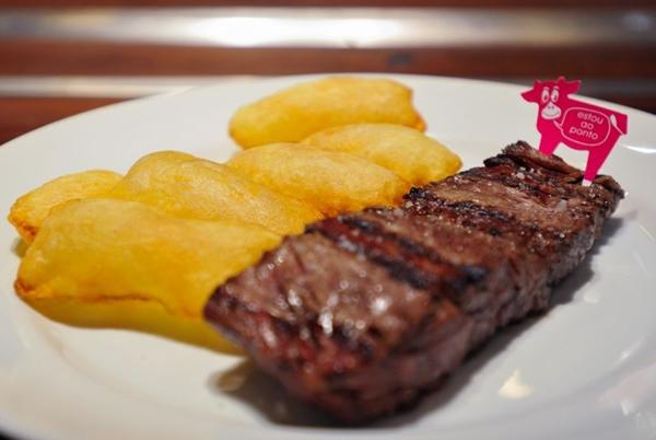 As carnes no Rubaiyat Brasília têm qualidade garantida, resultando em uma matéria-prima de qualidade (Helio Montferre/Divulgação)