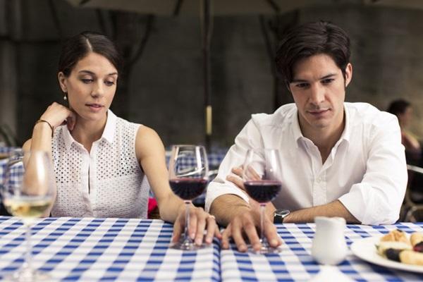 O casamento de Stéphanie e Luc é perfeito aos olhos de quem vê (Reprodução/Internet)