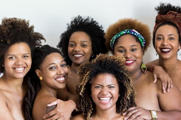 O grupo Contém Dendê é atração do projeto Sambar & Love (Rodrigo Resende Coutinho/Divulgação)