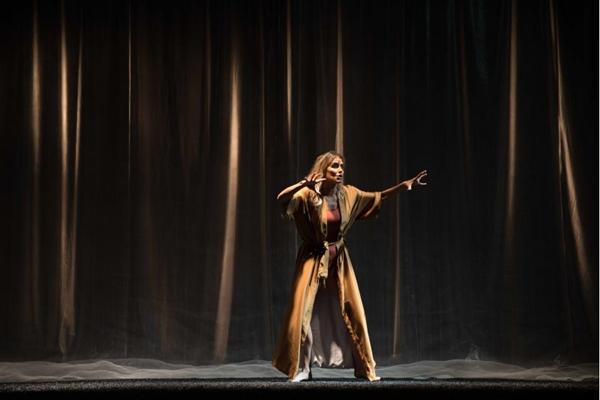 Deborah Secco comemora a volta aos palcos: 'gosto de desafios'  (Divulgação / Deca)