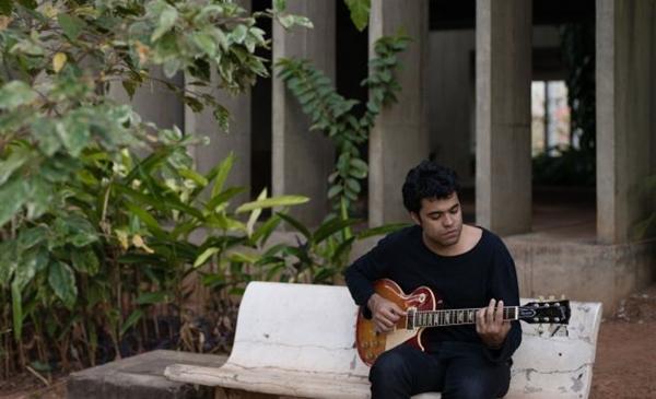 Rodrigo Bezerra é um amante do ritmo: Dedicação à música como base de trabalho (Diego Bresani/Divulgação)