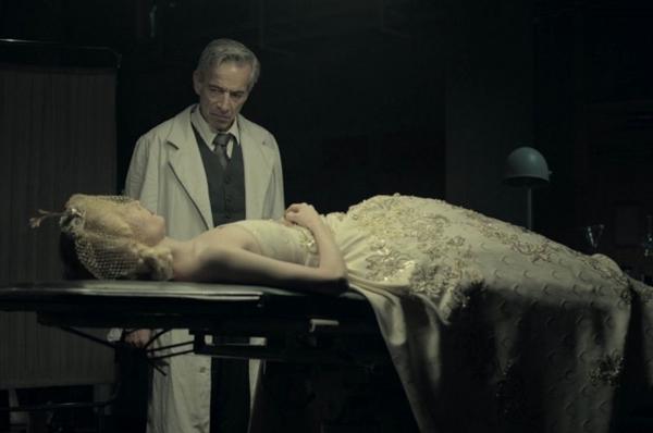 'Eva não dorme' é um dos filmes que o público poderá ver neste fim de semana (Créditos: Reprodução/Internet)