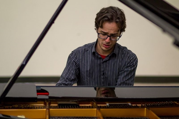 Alessandro Andrade da Fonseca apresenta Chopin, Beethoven e Liszt (Arquivo Pessoal)