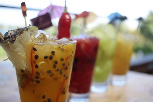 Caipirinhas chamam a atenção na carta de drinques do Coco Bambu ( Ana Rayssa/Esp. CB/D.A Press)