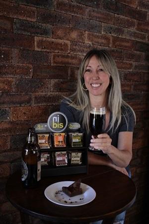 Além de colocar a bebida na receita, doces da confeiteira autodidata também harmonizam com o que vem das taças (Ana Rayssa/Esp. CB/D.A Press)