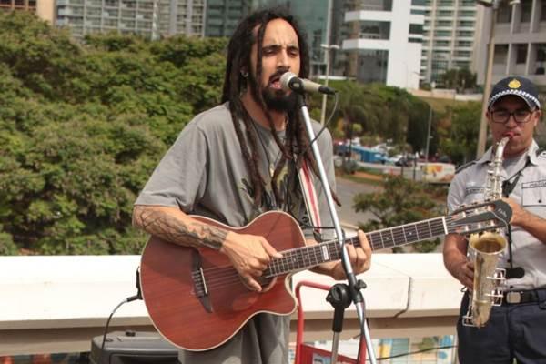Léo Carcará vai se apresentar no Chapada Rima com muito reggae  (Luis Nova/Esp. CB/D.A Press)