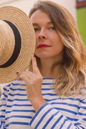 A francesa Laure Briar dá charme ao Groselha (Julia Romanovskaya/Divulgacao)