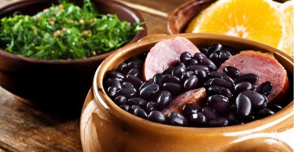 Um pouco de cada estado, ingredientes do país todo aparecem em pratos na cidade (Divino Fogao/Divulgacao)