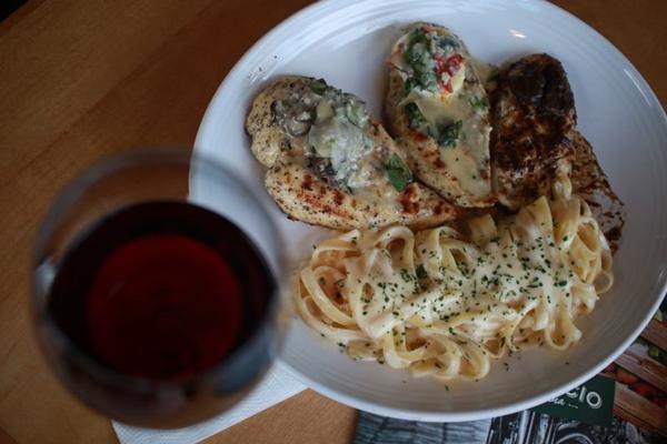 O  Abbraccio Cucina Italiana serve clássicos italianos com pegada moderna (Luis Nova/Esp. CB/D.A Press)