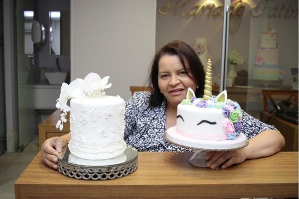 Clássico ou contemporâneo? Maria de Fátima completa 30 anos de carreira com bolos que refletem a personalidade dos clientes ( Ana Rayssa/Esp. CB/D.A Press)