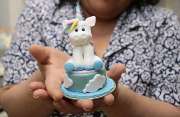A decoração também aparece em bolos menores ( Ana Rayssa/Esp. CB/D.A Press)
