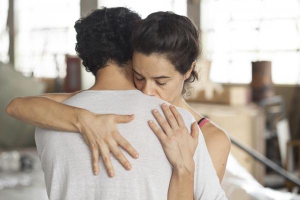 'Pendular' mostra dilemas de um casal (Still/Reprodução)