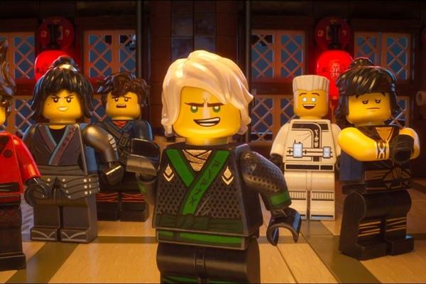 Adolescentes tem a missão de defender a ilha onde nasceram em 'Lego Ninjago - o filme' (Reprodução/Internet)