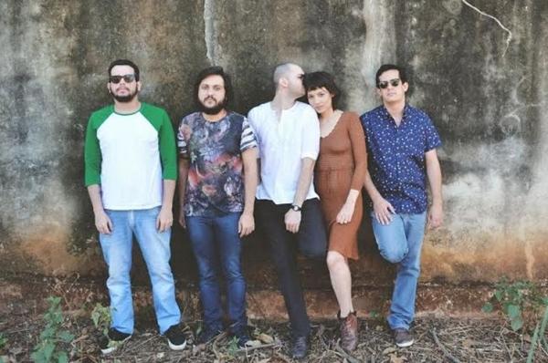 A banda Carne Doce não tem medo de abordar questões como aborto  (Beatriz Perini/Divulgação)