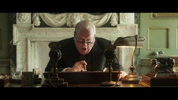 Atuação de Brian Cox em 'Churchill' vem recebendo elogios da crítica internacional (Reprodução/Internet)