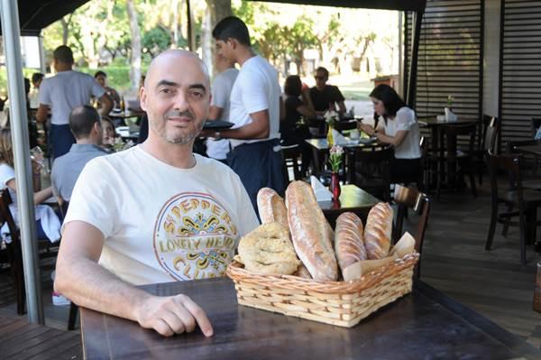 O francês Serge Segura aposta em receitas clássicas e criações autorais para atrair sua clientela (Bárbara Cabral/Esp. CB/D.A Press)